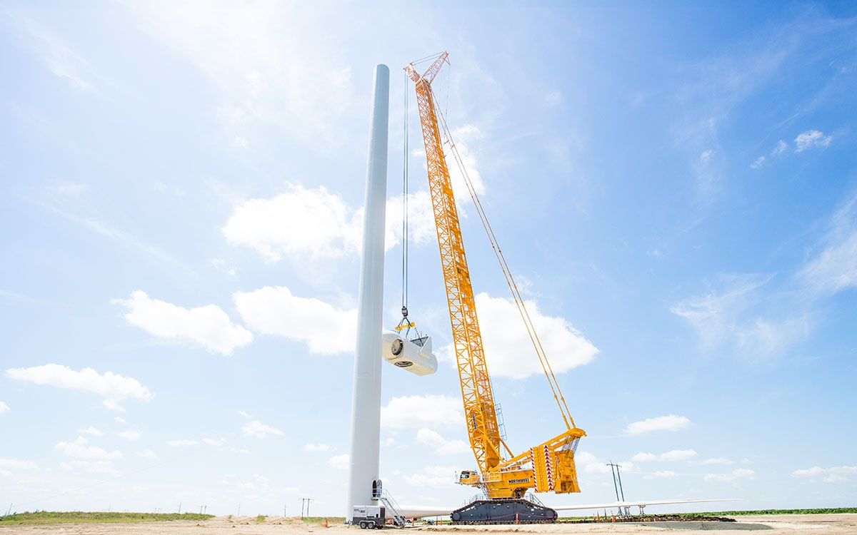 LR11000 - Wind Farm Nacelle